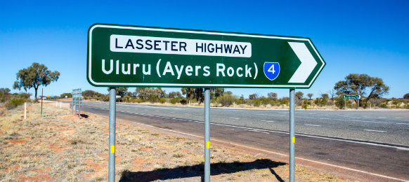 uluru ayers rock sign for travellers